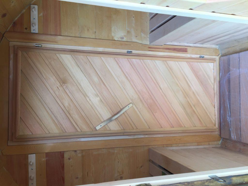 Баня бочка с деревянной дверью фото внутри